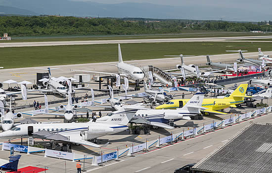 Record number of airplanes fly to EBACE on alternative fuels